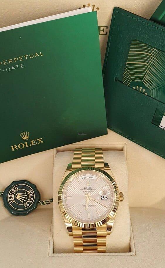 Rolex Day-Date 40 Silver dial diagonal motif segunda mano